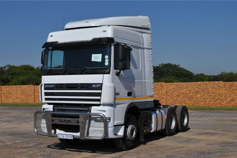 DAF Truck tractors PRE OWNED XF105.460FTT SR1360 SPACE CAB 2016