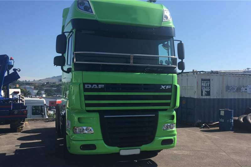 DAF XF 105.460Superspace cab Truck tractors