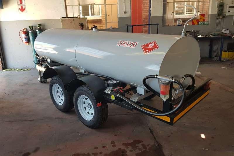 Diesel bowser trailer 2000L Mild Steel Oval Diesel Tanker 2019