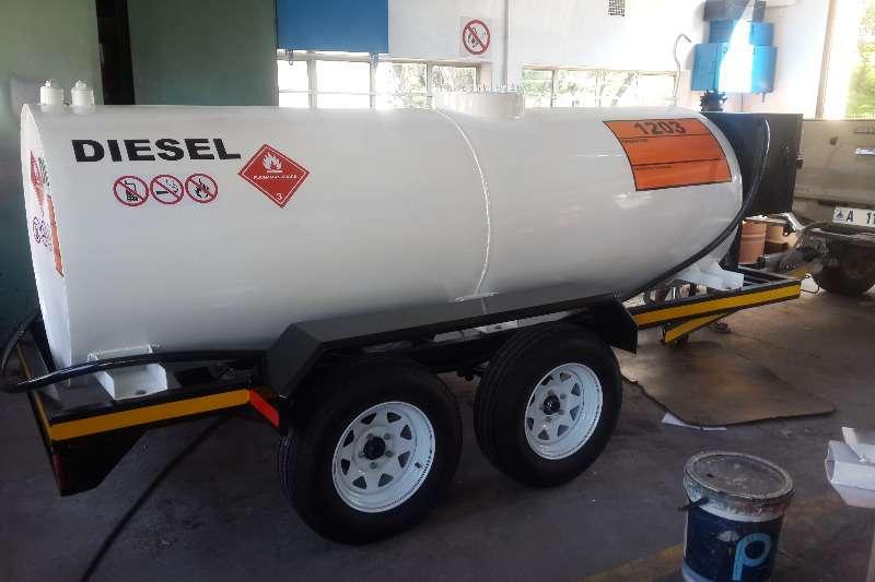 Diesel bowser trailer 2500L Mild Steel Oval Diesel Tanker 2019