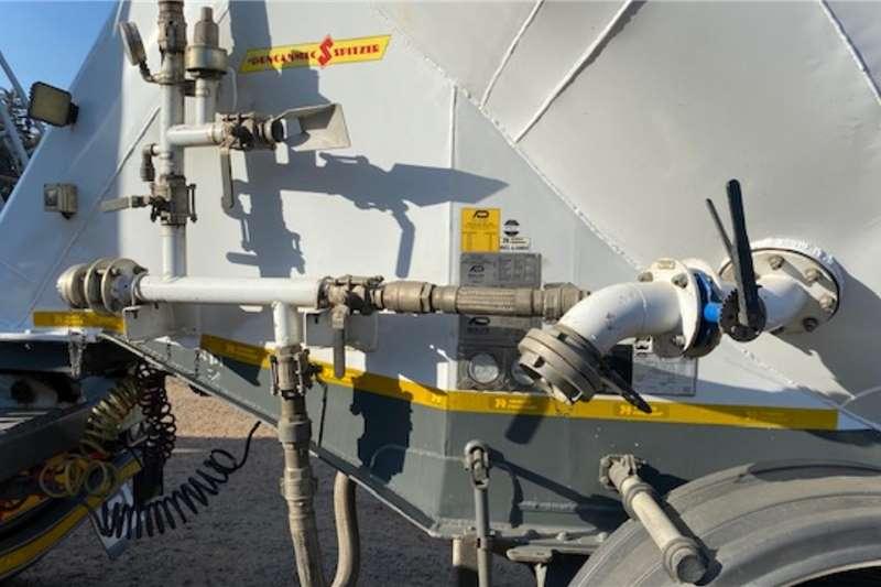 Duncanmec Dry bulk tanker 65m³ Dry Goods Tanker Semi with Pup Trailers