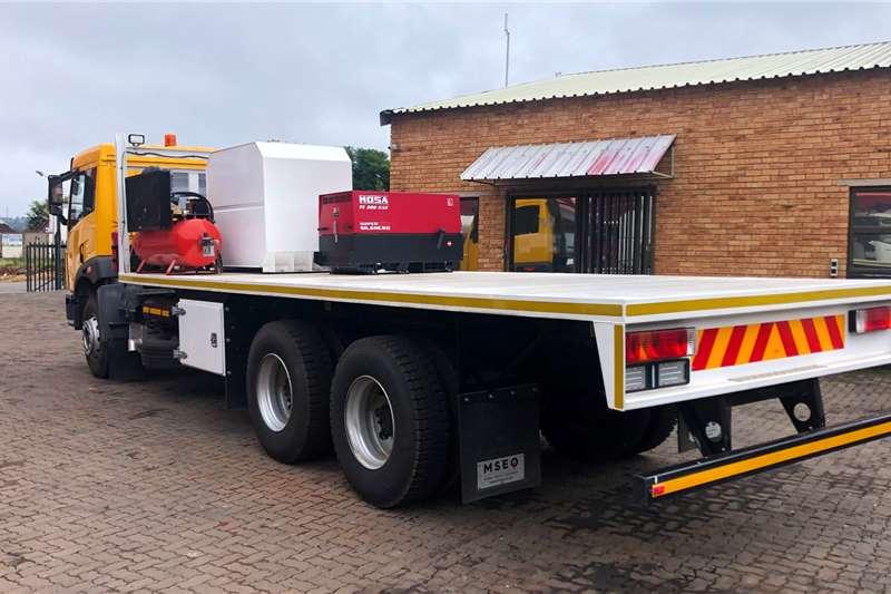 FAW 28 330 Flatdeck Flatbed trucks