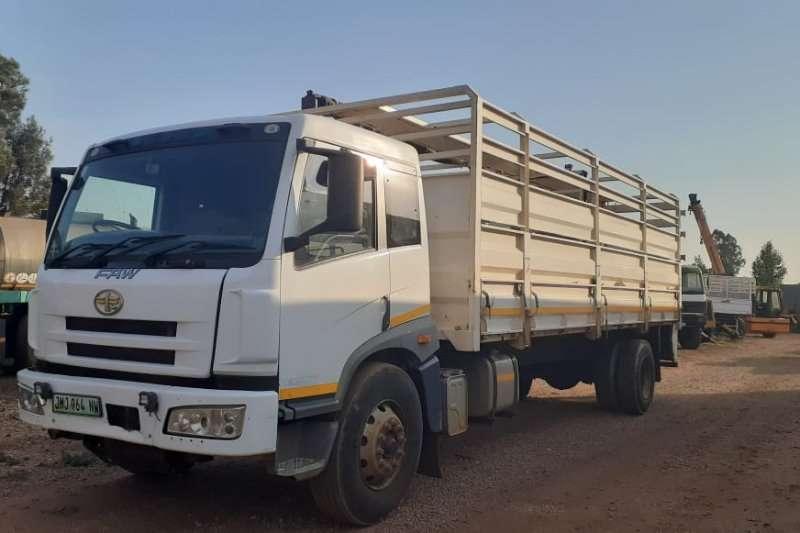 FAW Truck Cattle body 16 240 FL F/C D/S Cattle Body 2015