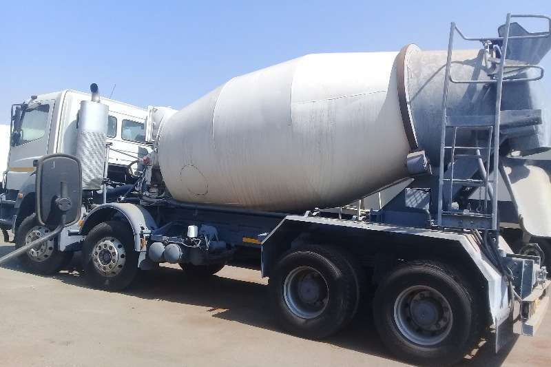 FAW Truck-Tractor 2012 FAW 33FC DOUBLE AXLE,CEMENT MIXER 2012