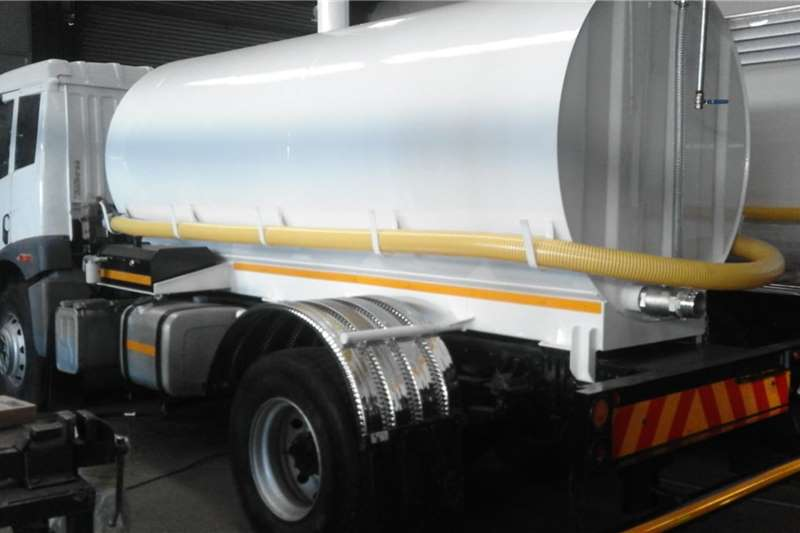 FAW Water bowser trucks 16.240 WATER TANKER 2017