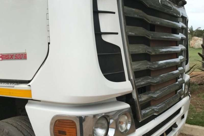 Freightliner Truck Chassis cab 2015 Freightliner ISX 500 TT 2015