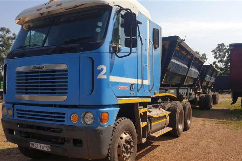 Freightliner Truck-Tractor 2011 FREIGHTLINER ISX5000 2011