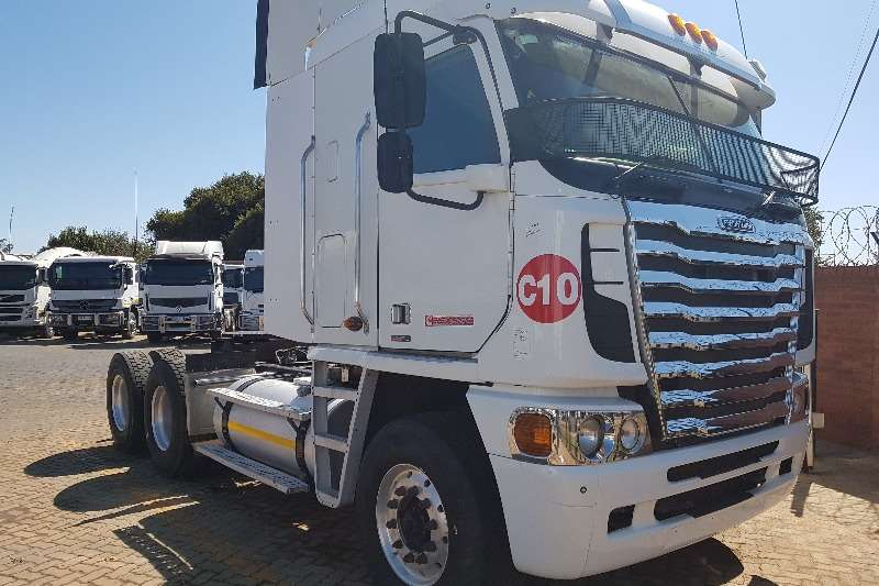 Freightliner Truck-Tractor Double axle 2014 Freightliner ISX500 Argosy 2014