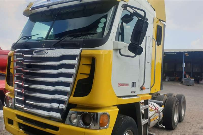 Freightliner Truck-Tractor Double axle 2015 FREIGHTLINER ARGOSY ISX 500 2015