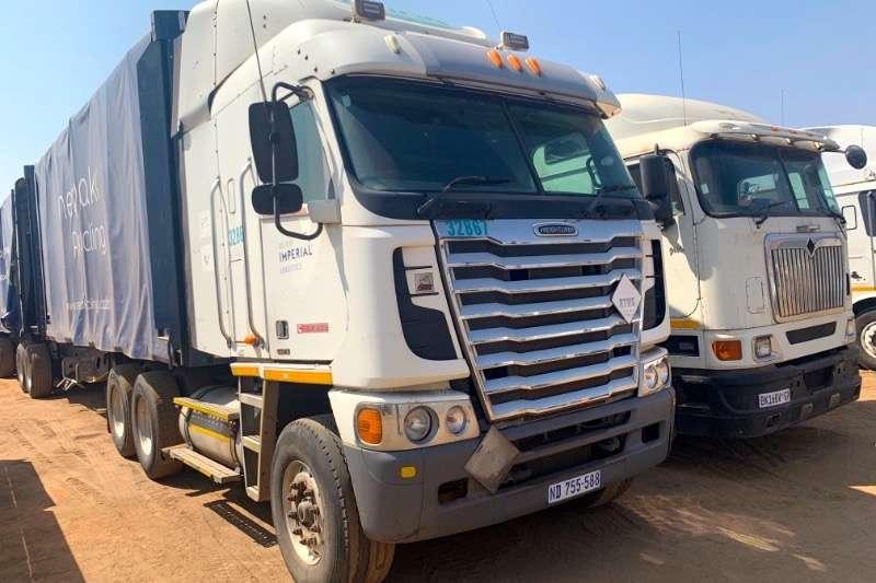 Freightliner Truck-Tractor Double axle ARGOSY 2013