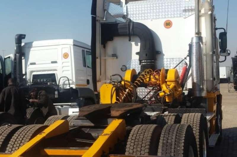 Freightliner Double axle Argosy 6x4 Truck Tractor Cummins 530 with Winch Truck-Tractor