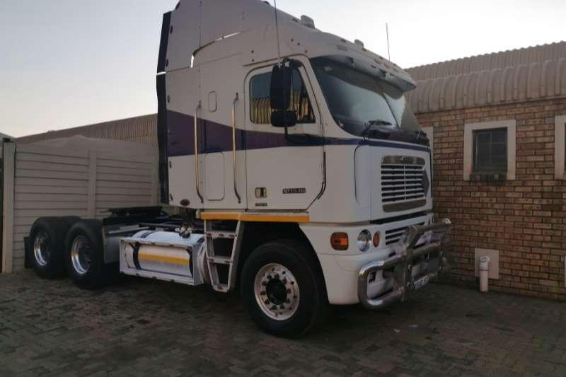 Freightliner Truck-Tractor Double axle ARGOSY CAT C12 2008