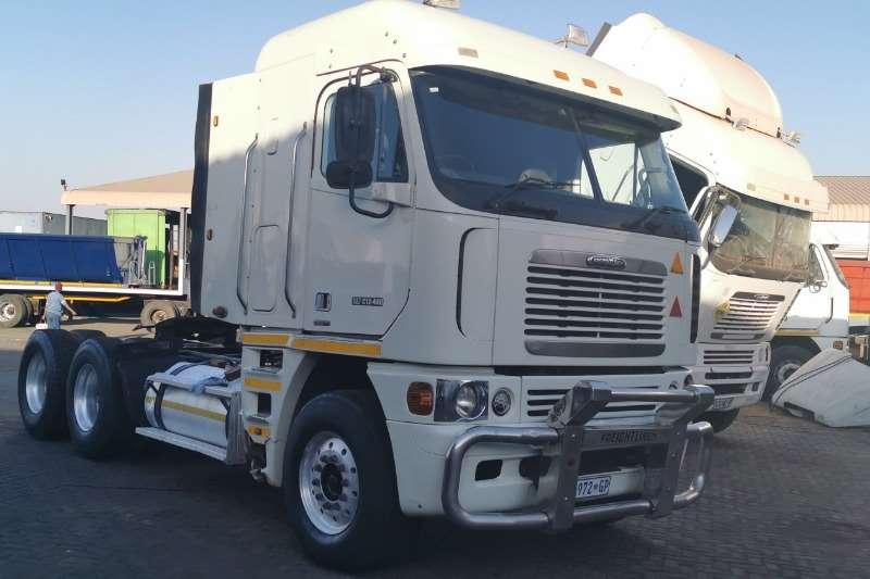 Freightliner Truck-Tractor Double axle ARGOSY CAT C12 440 2008