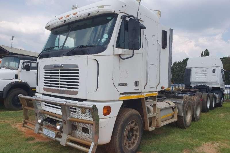 Freightliner Truck-Tractor Double axle Argosy CSIX 500 2006