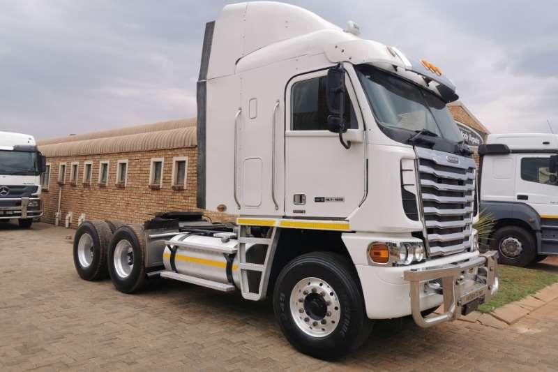 Freightliner Truck-Tractor Double axle ARGOSY DETRIOT 12.7 440 2013