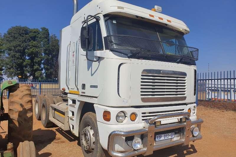 Freightliner Truck-Tractor Double axle CSIX 530 2008