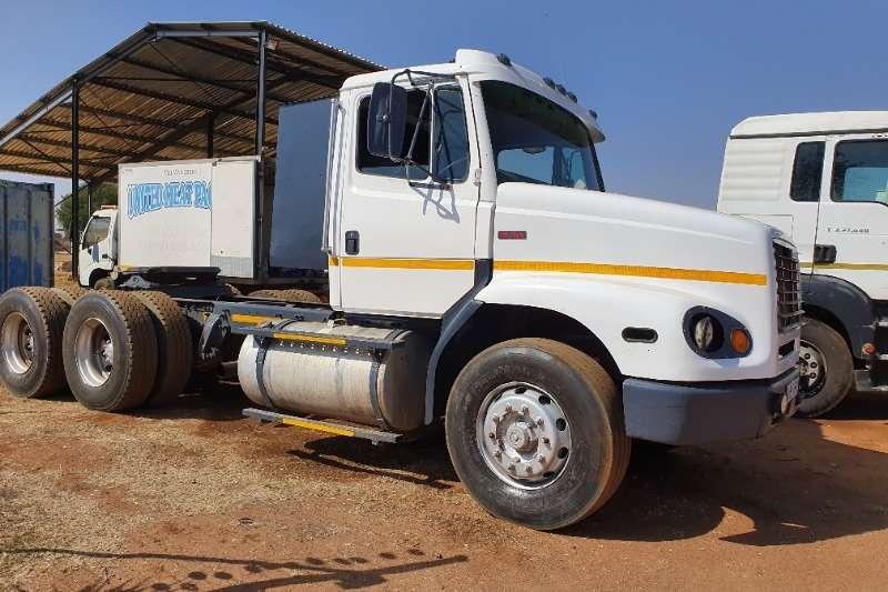 Freightliner Truck-Tractor Double axle FL112   13 Speed Fuller 1999