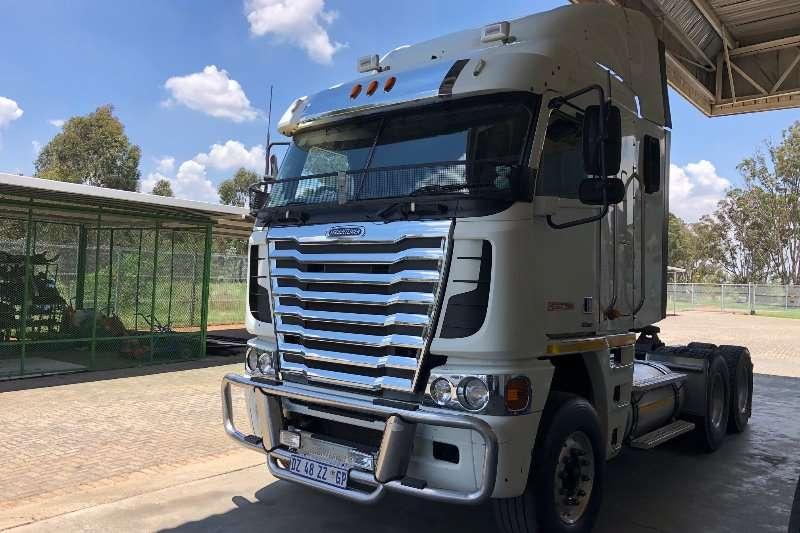 Freightliner Truck-Tractor Double axle FREIGHTLINER ARGOSSY(530)CUMM 2015