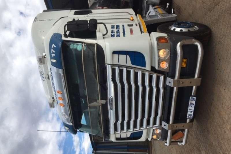 Freightliner Truck-Tractor Double axle Freightliner Argossy cummens 500 2015
