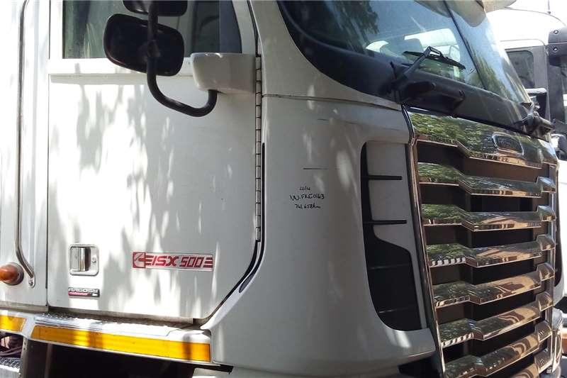 Freightliner Truck-Tractor Double axle Freightliner ISX500 2014