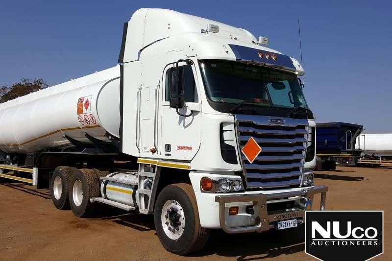 Freightliner Truck-Tractor FREIGHTLINER ARGOSY CISX 500 6X4 HORSE