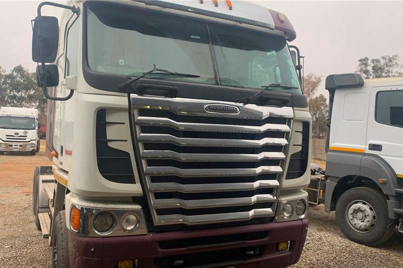 Freightliner 2015 FREIGHTLINER ARGOSY ISX 500 Truck tractors