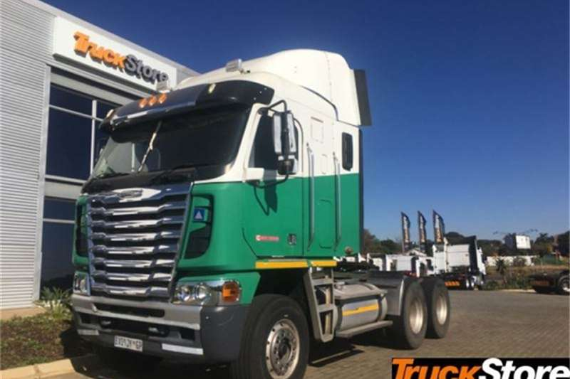 Freightliner Truck tractors CUM 500 NG 2012