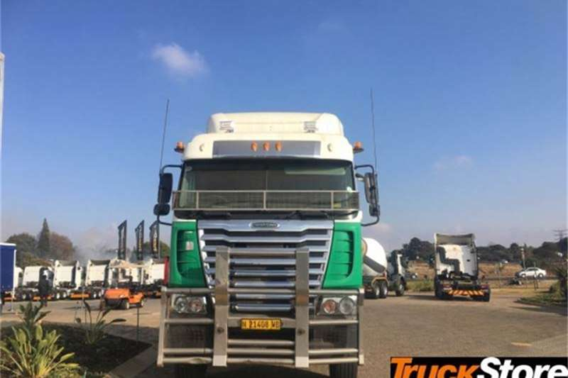 Freightliner Truck tractors CUM 500 NG 2014
