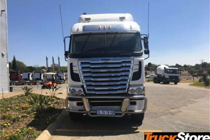 Freightliner CUM 620 NG Truck tractors