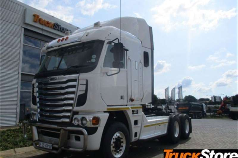 Freightliner Truck tractors CUM 620 NG 2014