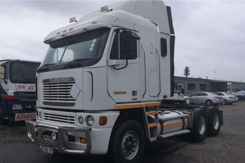 Freightliner Double axle 2011 freightliner isx500 cummins Truck tractors