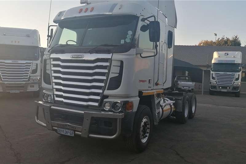 Freightliner Double axle 2014 Argosy ISX 500 Truck tractors