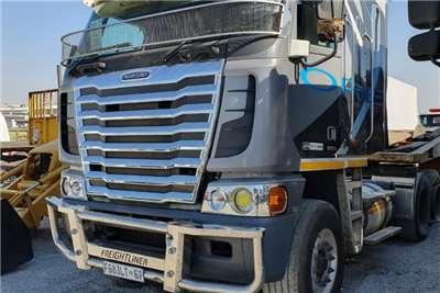 Freightliner Double axle 2015 Freightliner Argosy Detroit 14.0 Truck tractors
