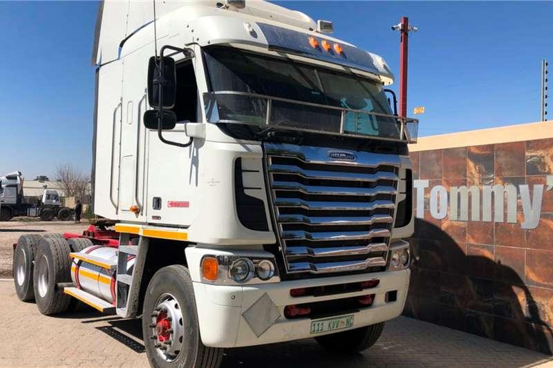 Freightliner Truck tractors Double axle 500 2014