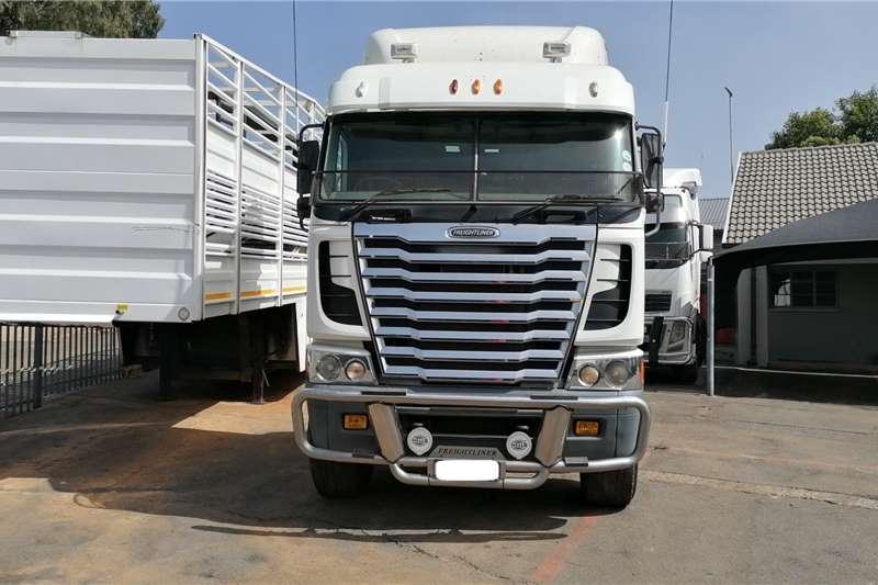 Freightliner Double axle Argosy, 500 Cummins Truck tractors