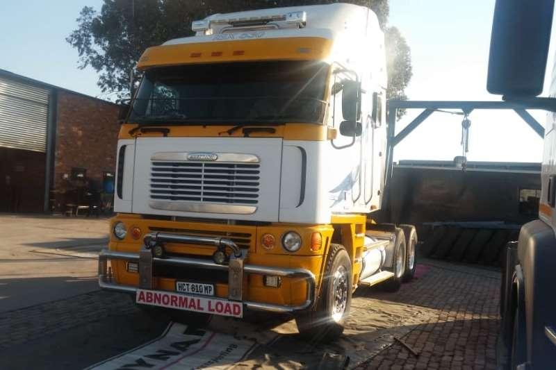 Freightliner Double axle Argosy 6x4 Truck Tractor Cummins 530 with Winch Truck tractors
