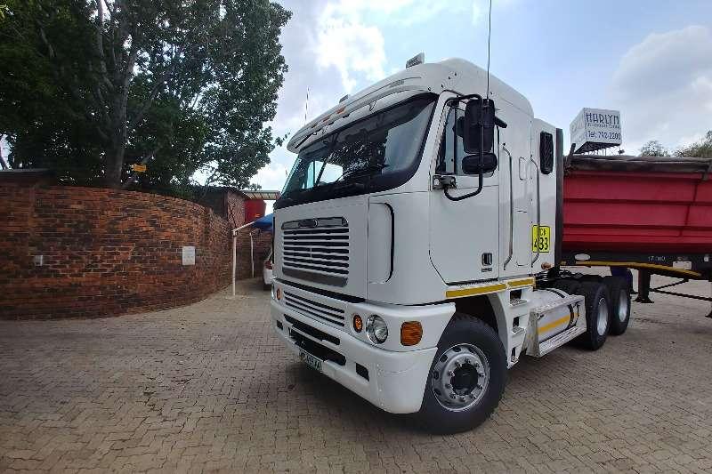 Freightliner Double axle Argosy Cummis 500 Truck tractors