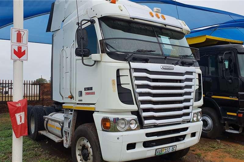 Freightliner Truck tractors Double axle Argosy ISX500 2013