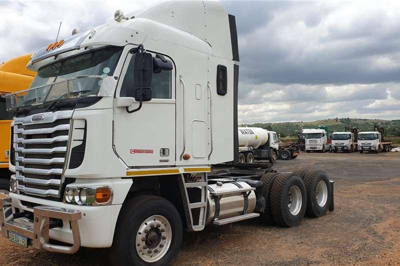 Freightliner Truck tractors Double axle Argosy ISX500 2015