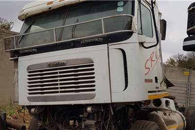 Freightliner Double axle As is or Strip for Parts Truck tractors