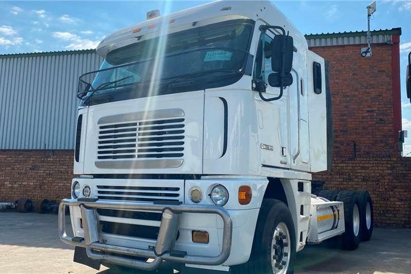 Freightliner Double axle Cisx 500 Truck tractors