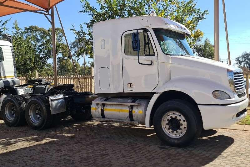 Freightliner Double axle Colombia Truck tractors