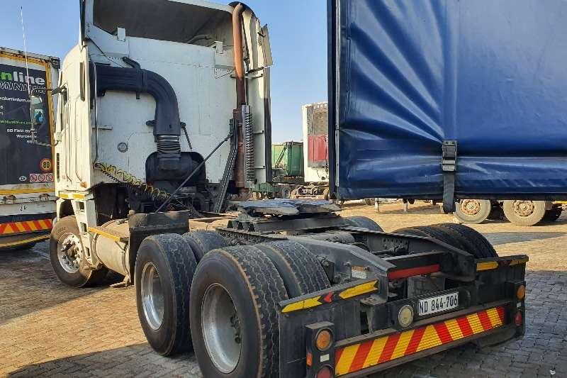Freightliner Double axle CUMMINS 530 Truck tractors