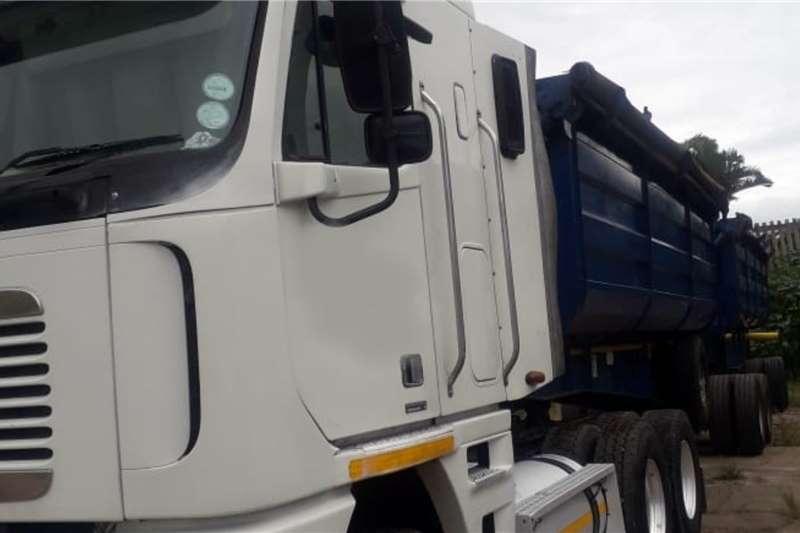 Freightliner Double axle Freightliner Argosy 530 ISX Cumminswith 2010 Top Truck tractors