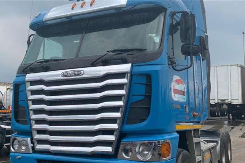 Freightliner Double axle FREIGHTLINER ARGOSY C12  440 CAT 6X4 T/T Truck tractors
