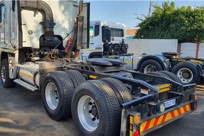 Freightliner Double axle Freightliner Argosy Detroit 12.7 440 HP Truck tractors