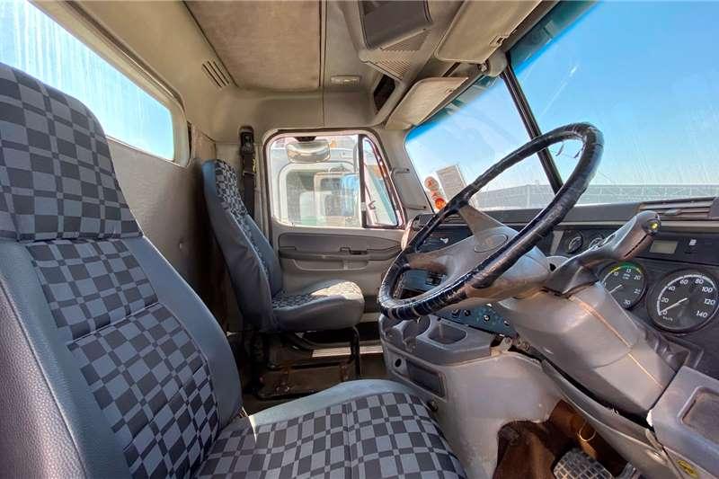 Freightliner Double axle FREIGHTLINER COLUMBIA 112 34 T/T C/C Truck tractors
