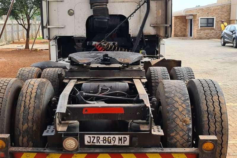 Freightliner Double axle ISX530 Truck tractors