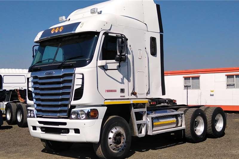 Freightliner Truck Tractors FREIGHTLINER ARGOSY ISX500 2014