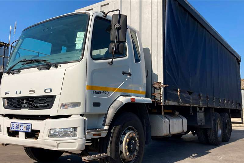 Fuso FN25.270 TAUTLINER WITH TAIL LIFT Curtain side trucks